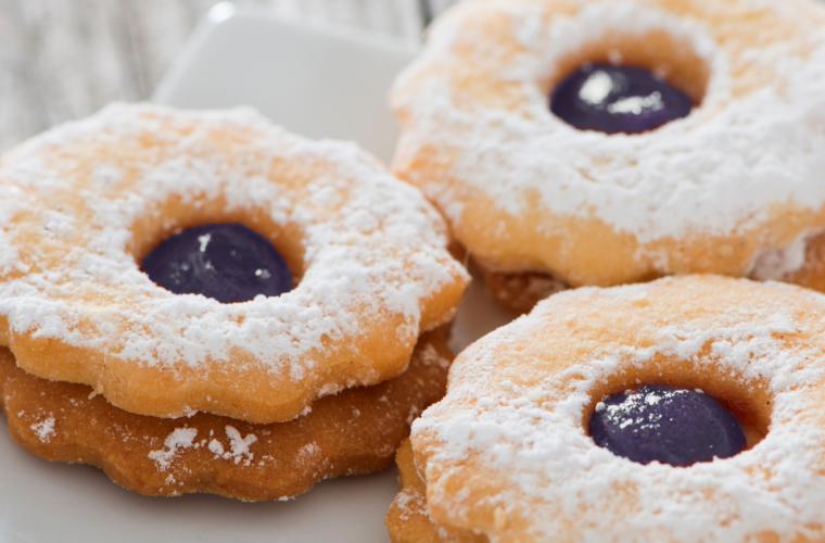 Linzer Cookies with HERO Black Cherry